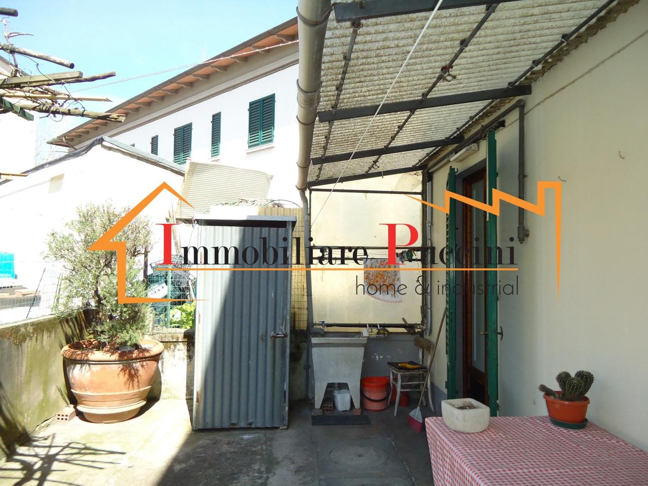 Soluzione Indipendente in vendita a Calenzano, 6 locali, prezzo € 235.000 | CambioCasa.it