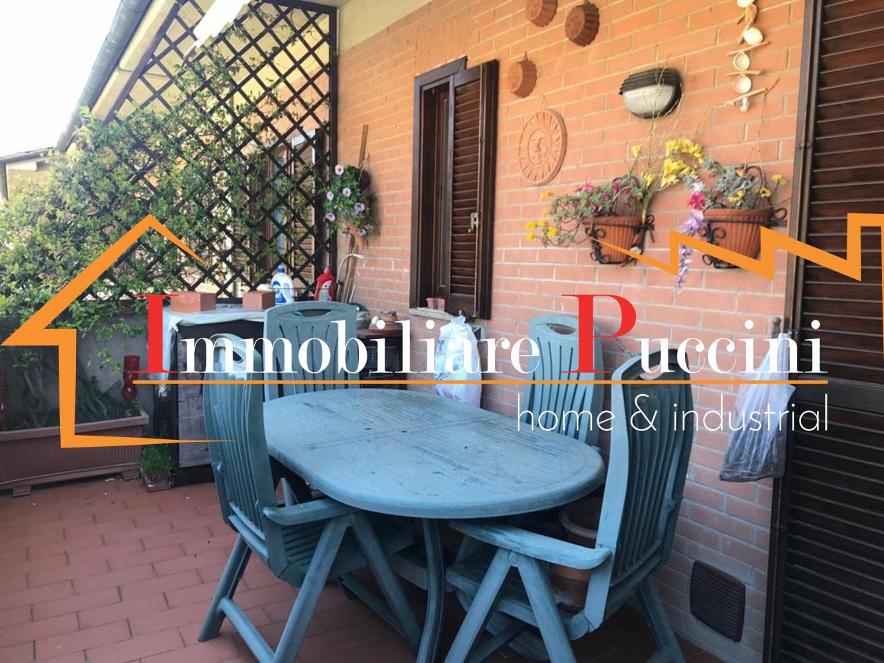Appartamento in buone condizioni in vendita Rif. 10069912
