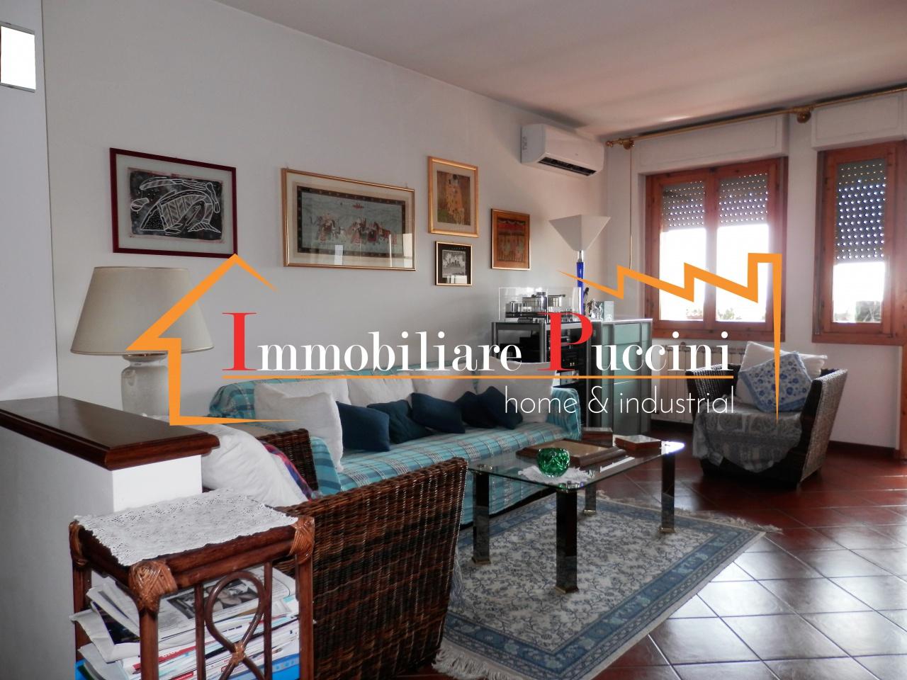 Appartamento in vendita a Calenzano, 4 locali, prezzo € 220.000 | CambioCasa.it