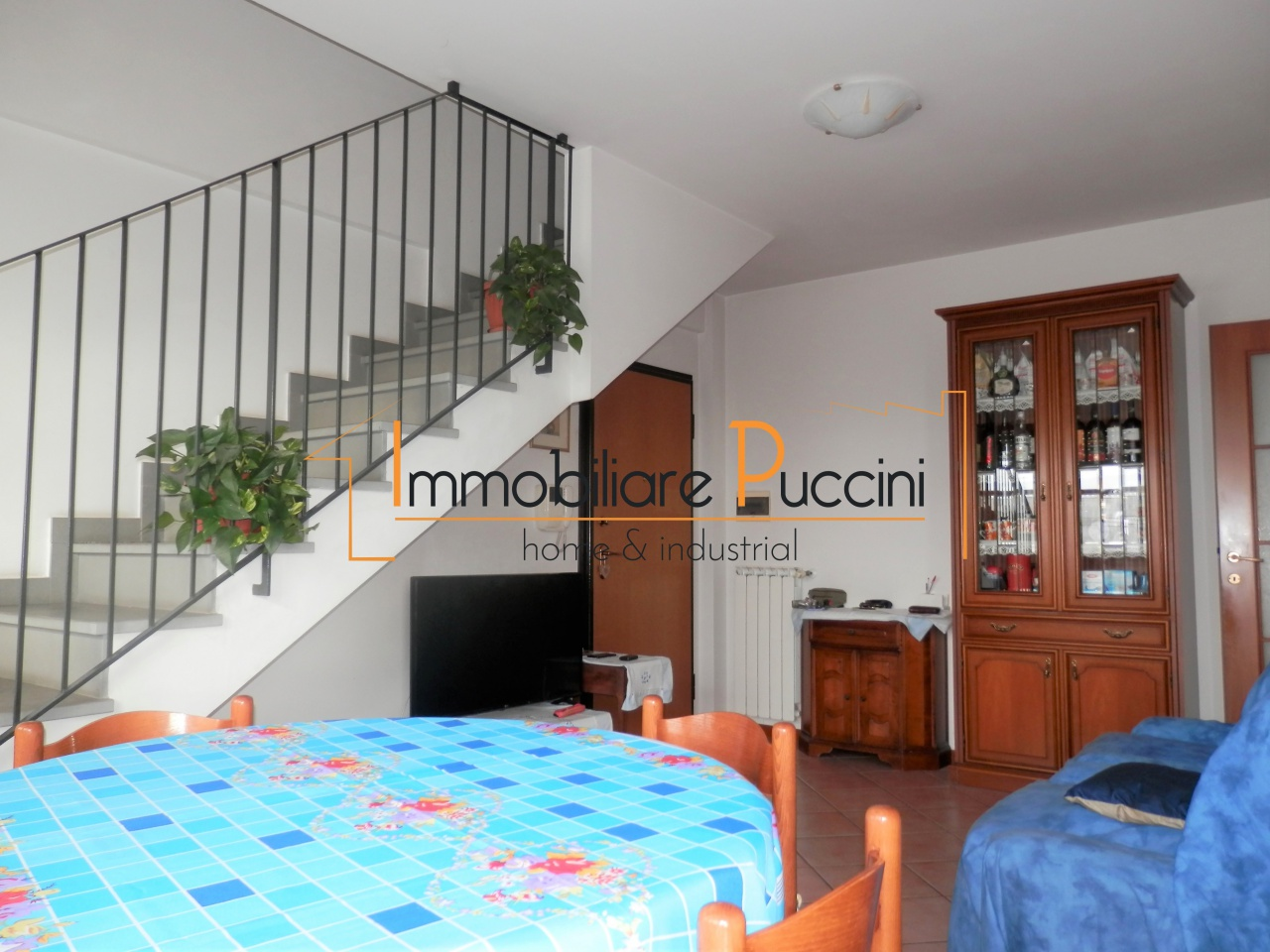 Appartamento in vendita a Calenzano, 3 locali, prezzo € 250.000 | CambioCasa.it