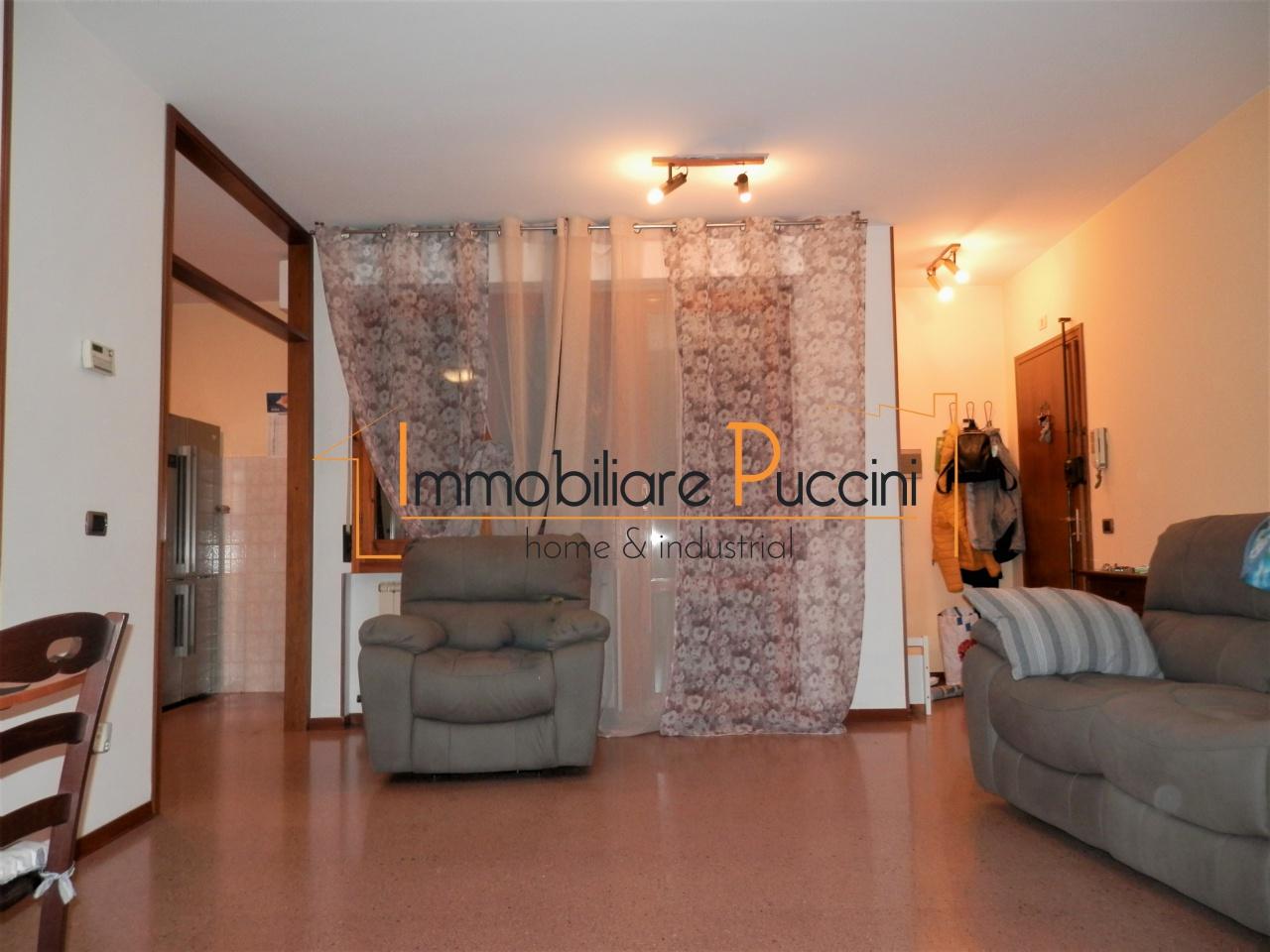 Appartamento in vendita a Calenzano, 5 locali, prezzo € 245.000 | CambioCasa.it