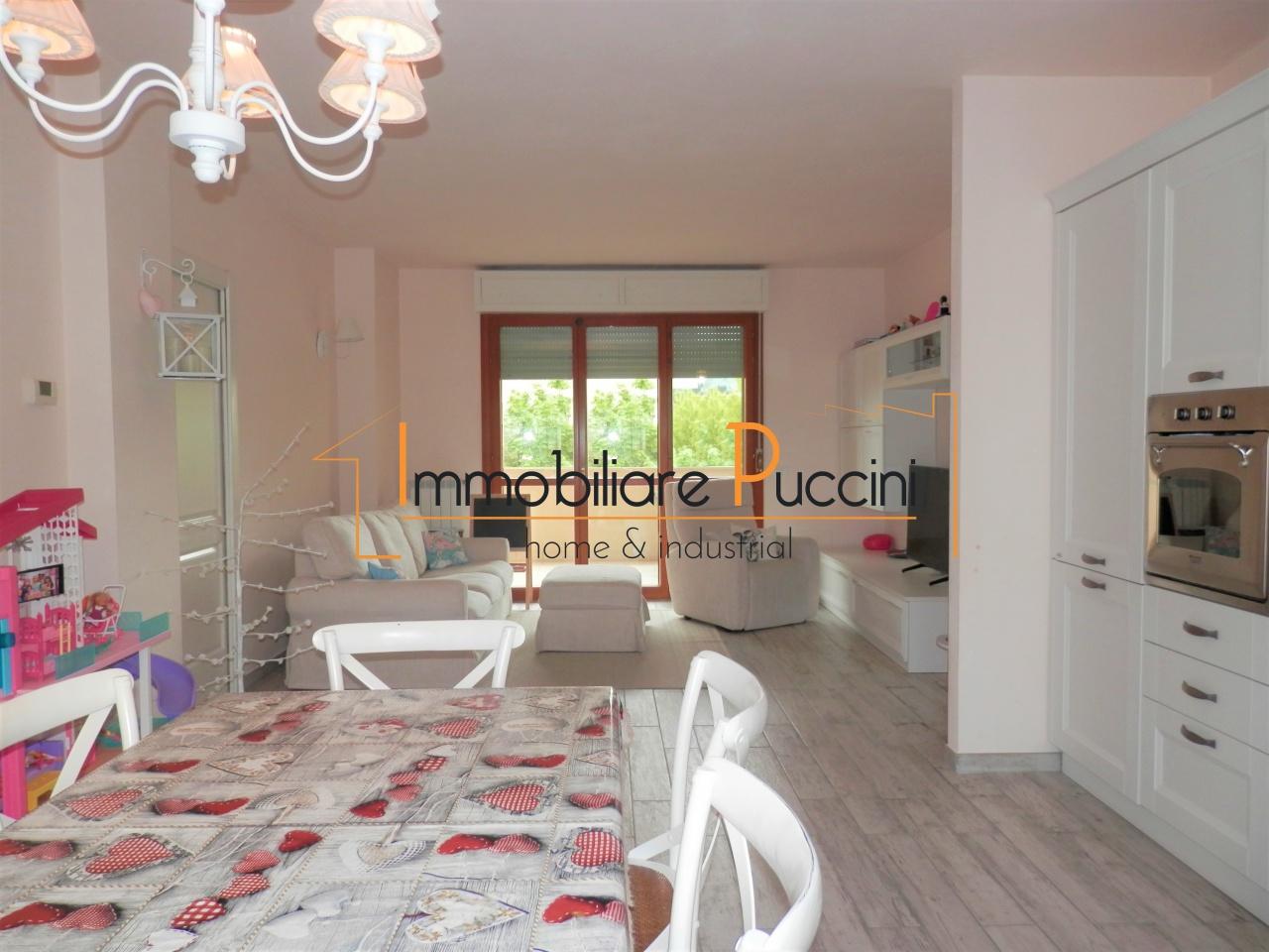 Appartamento in vendita a Calenzano, 4 locali, prezzo € 287.000   CambioCasa.it