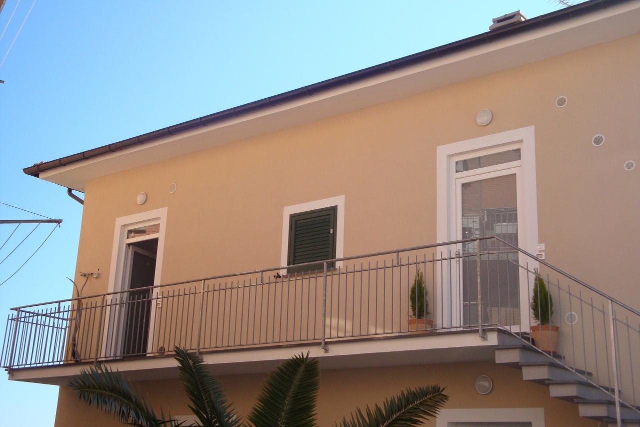 Appartamento in vendita Rif. 9050068