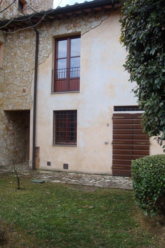 Appartamento in ottime condizioni arredato in vendita Rif. 10304850