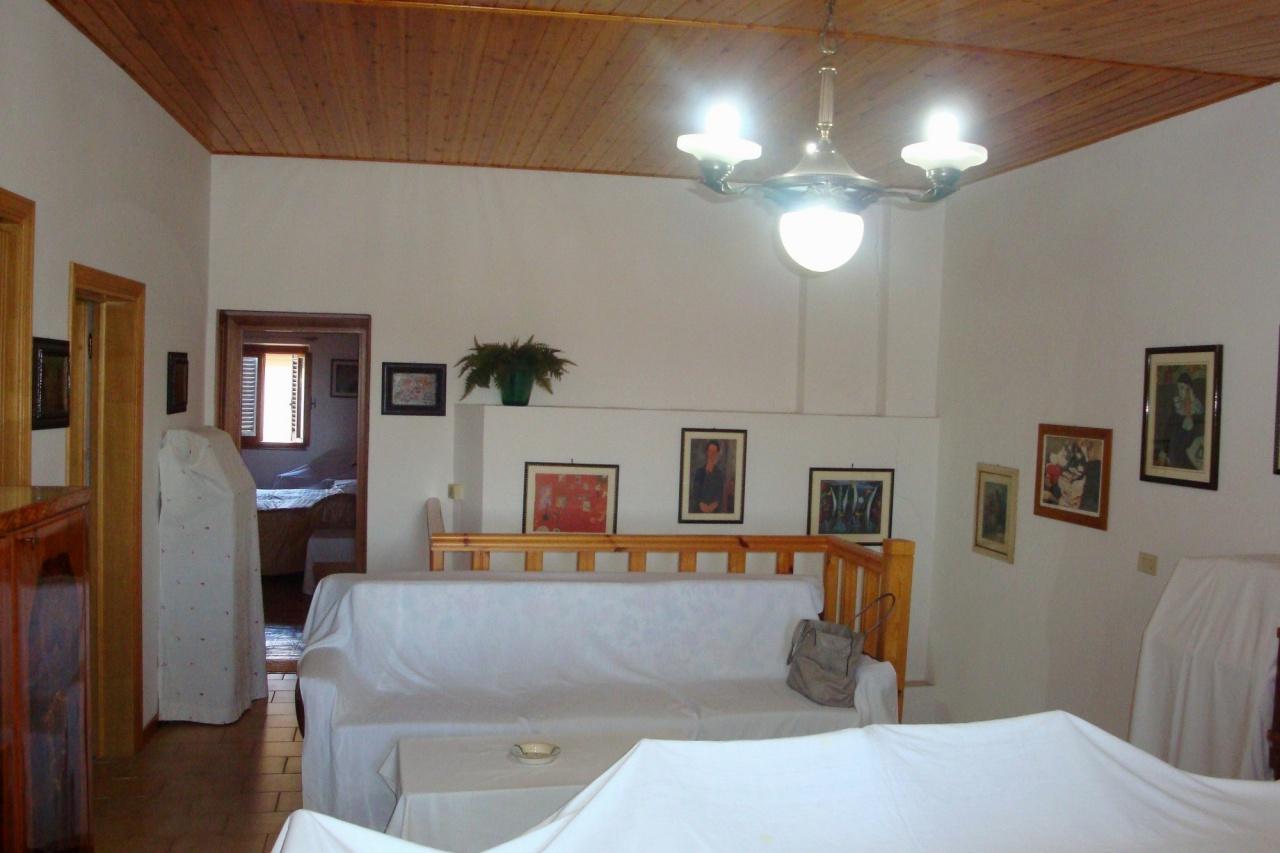 Appartamento da ristrutturare in vendita Rif. 10345045
