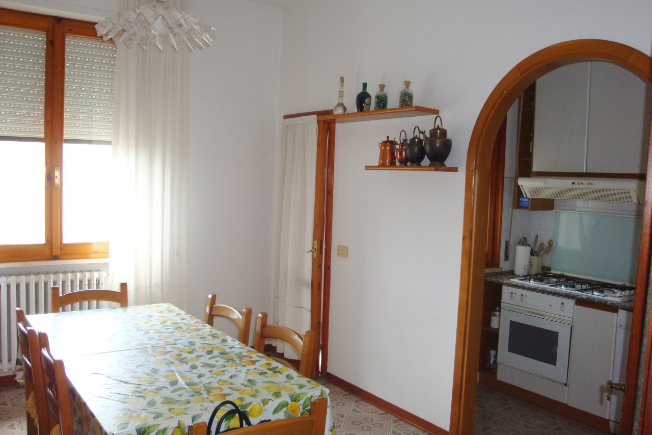 Appartamento in buone condizioni in vendita Rif. 11195977