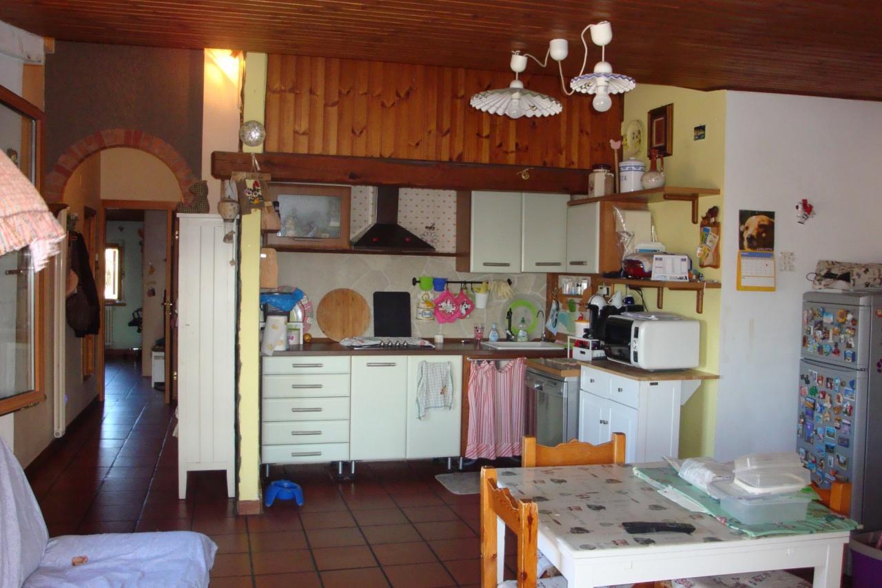 Appartamento in buone condizioni in vendita Rif. 10507135