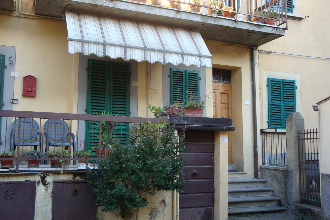 Appartamento da ristrutturare in vendita Rif. 10741602