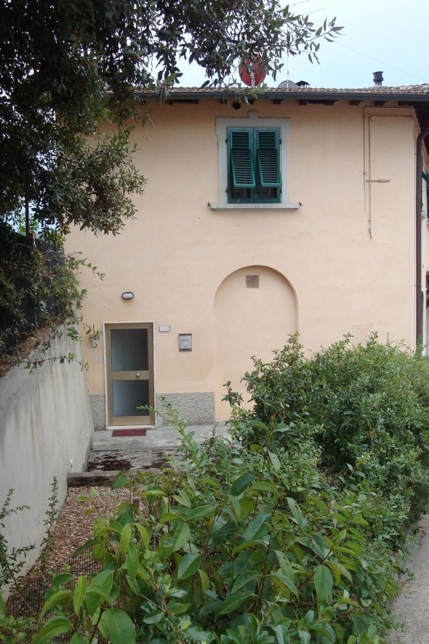 Appartamento in buone condizioni in vendita Rif. 11273799