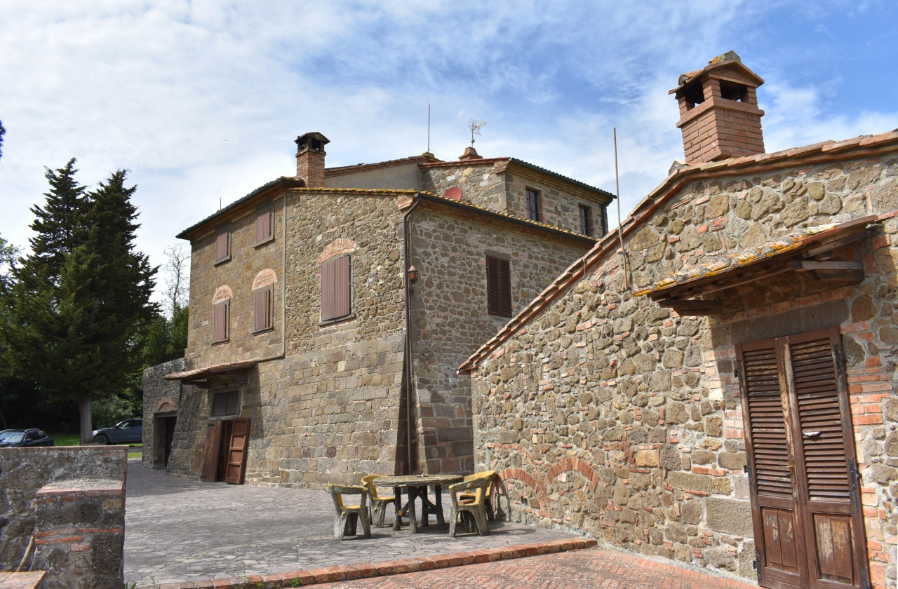 Rustico / Casale in vendita a Montecatini Val di Cecina, 15 locali, prezzo € 1.300.000 | PortaleAgenzieImmobiliari.it