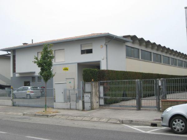 Capannone in vendita a Rubano, 9999 locali, prezzo € 600.000 | CambioCasa.it