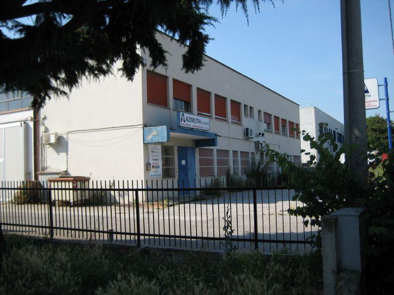 magazzino in Italia