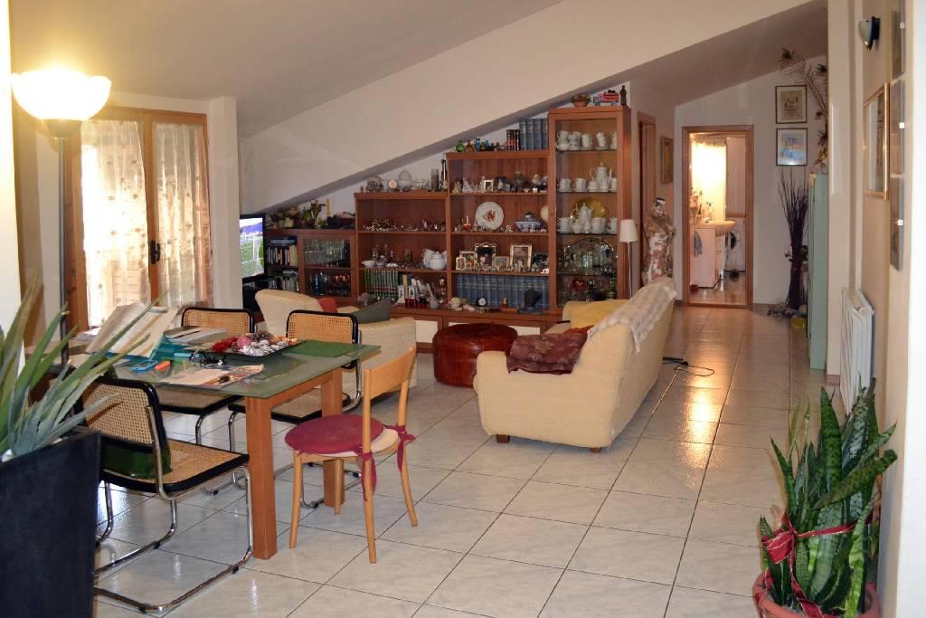 Attico / Mansarda in vendita a Capolona, 4 locali, Trattative riservate | CambioCasa.it