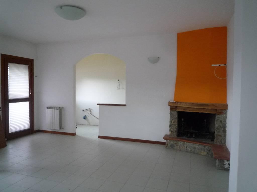 Soluzione Indipendente in vendita a Subbiano, 4 locali, prezzo € 130.000 | CambioCasa.it