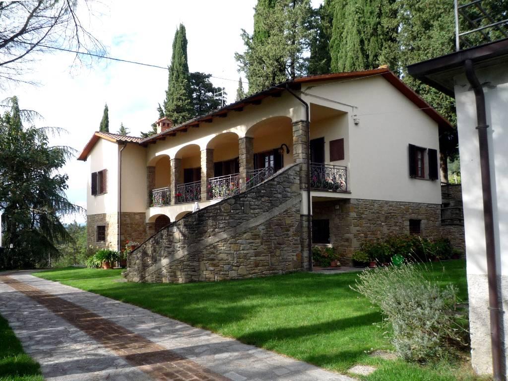 Soluzione Indipendente in vendita a Subbiano, 15 locali, prezzo € 695.000 | CambioCasa.it