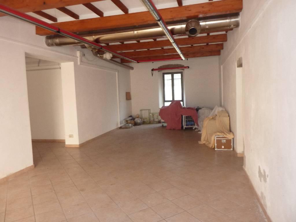 Negozio / Locale in vendita a Campiglia Marittima, 9999 locali, zona Località: VENTURINA TERME, prezzo € 260.000 | Cambio Casa.it