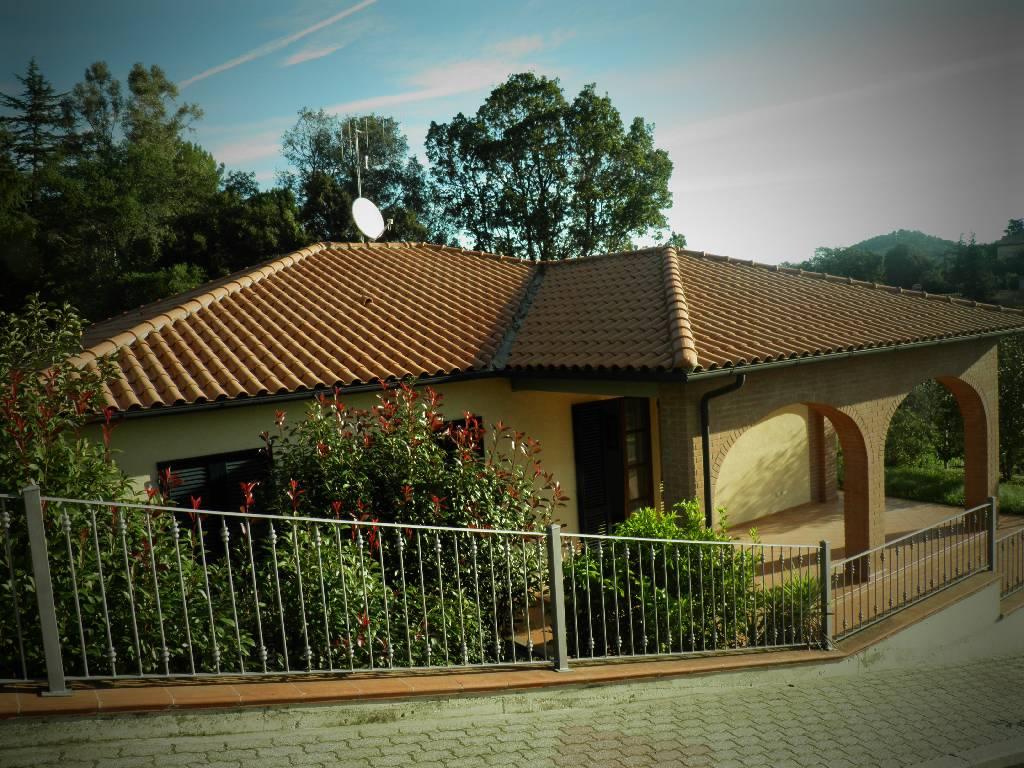 Villa in vendita a Suvereto, 6 locali, zona Località: VICINO SUVERETO, prezzo € 380.000 | Cambio Casa.it