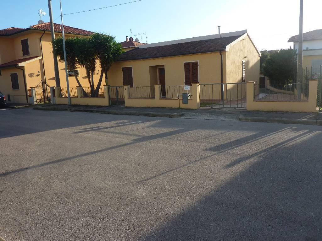 Soluzione Indipendente in vendita a Campiglia Marittima, 4 locali, zona Zona: Venturina, prezzo € 215.000 | Cambio Casa.it