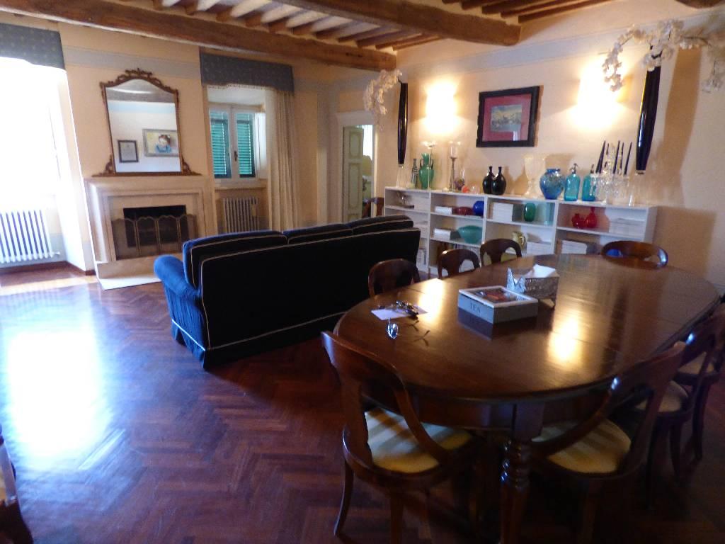 Soluzione Indipendente in vendita a Campiglia Marittima, 10 locali, zona Località: CENTRO STORICO, prezzo € 470.000 | Cambio Casa.it