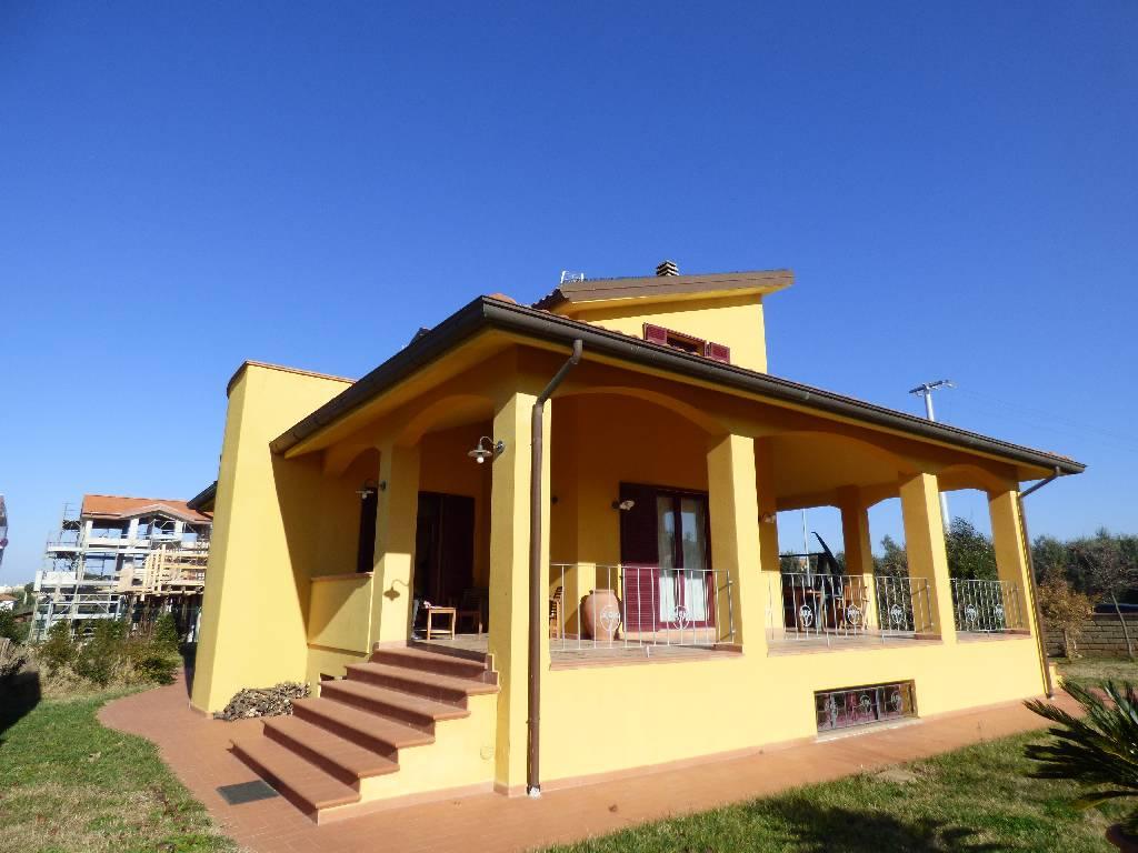 Villa in vendita a San Vincenzo, 10 locali, zona Località: CAMPAGNA A DUE PASSI DAL MARE, prezzo € 570.000 | Cambio Casa.it
