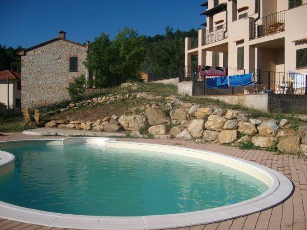 Appartamento in vendita a Suvereto, 3 locali, prezzo € 90.000 | CambioCasa.it