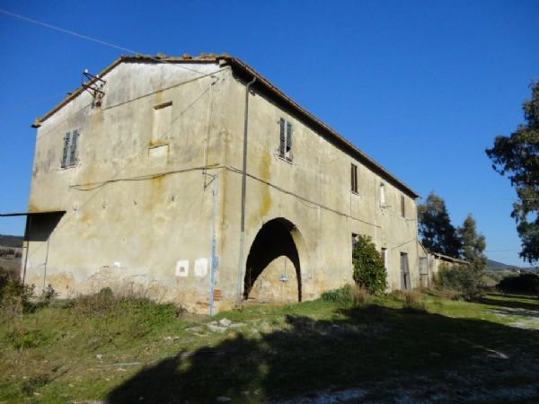 Rustico / Casale in vendita a Scarlino, 8 locali, prezzo € 390.000   CambioCasa.it