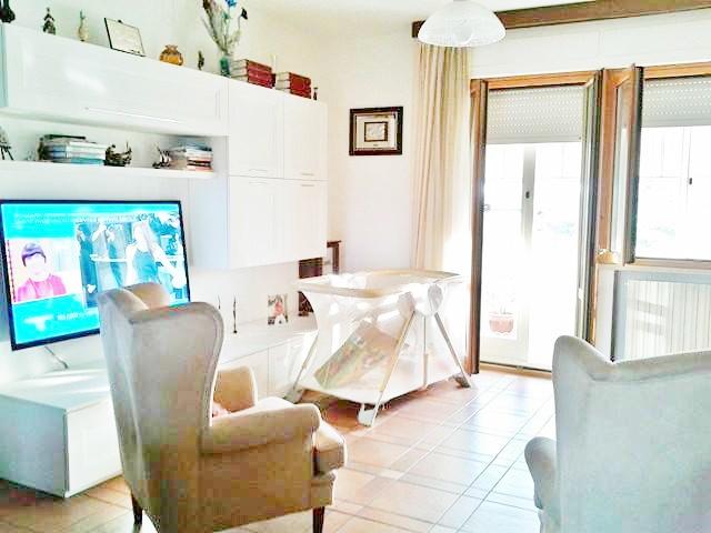 Appartamento in vendita a Follonica, 4 locali, prezzo € 200.000 | PortaleAgenzieImmobiliari.it