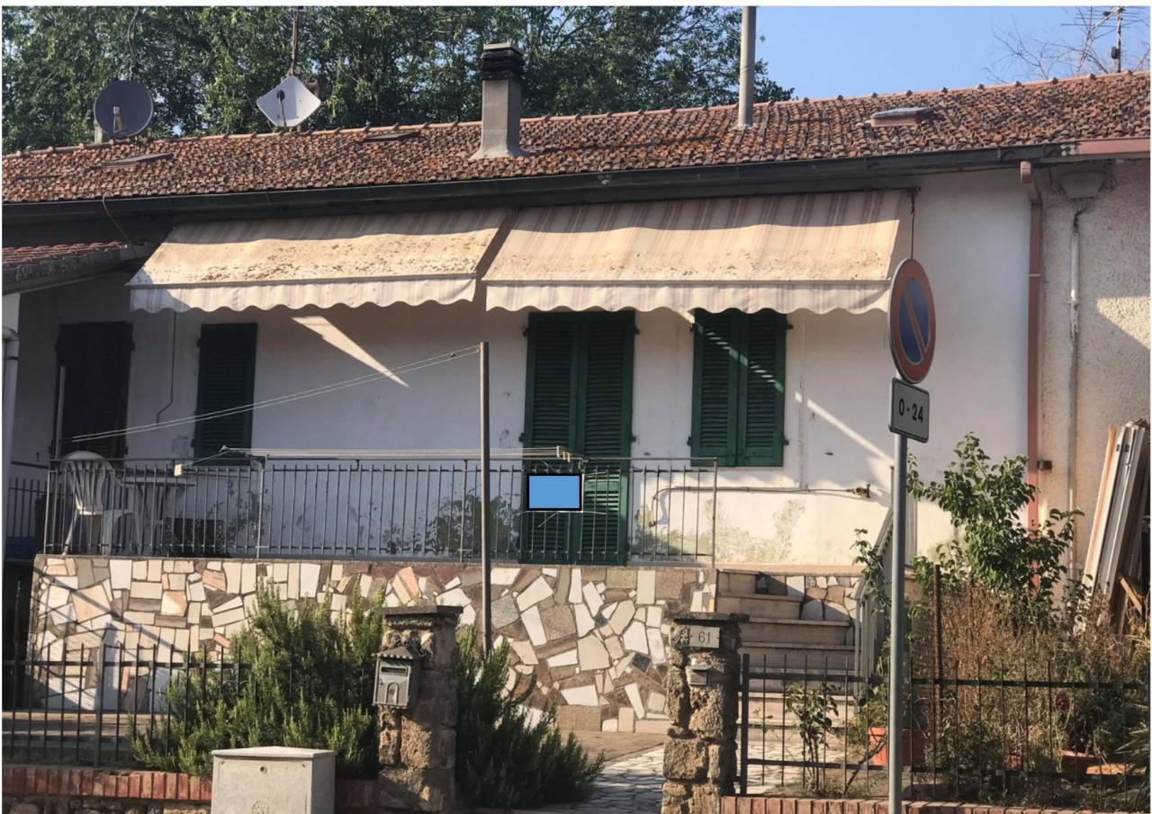 Appartamento in vendita a Roccastrada, 3 locali, prezzo € 33.000 | CambioCasa.it