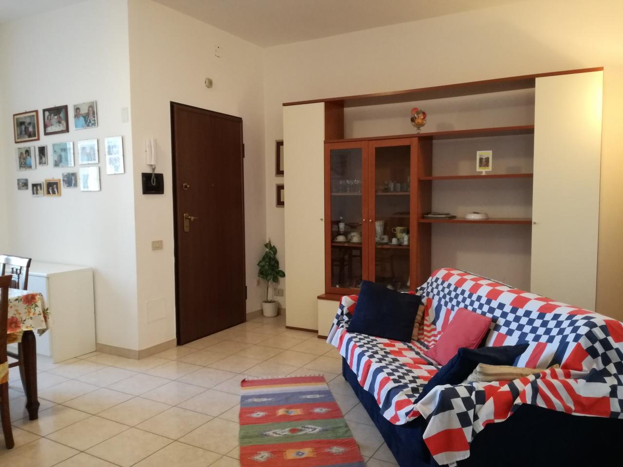 Appartamento in vendita a Follonica, 3 locali, prezzo € 220.000 | CambioCasa.it
