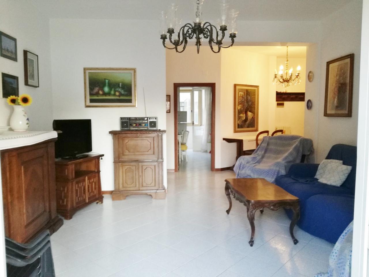 Appartamento in vendita a Follonica, 4 locali, prezzo € 310.000 | PortaleAgenzieImmobiliari.it