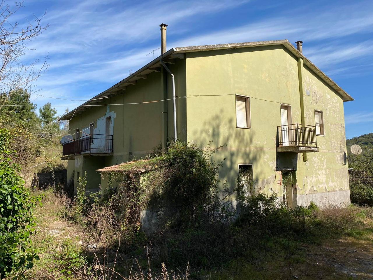 Soluzione Indipendente in vendita a Gavorrano, 20 locali, prezzo € 150.000   CambioCasa.it