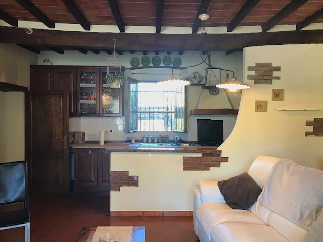 Appartamento in vendita a Gavorrano, 3 locali, prezzo € 95.000   CambioCasa.it