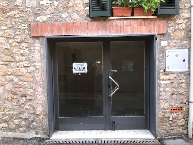Negozio / Locale in Vendita a Gavorrano