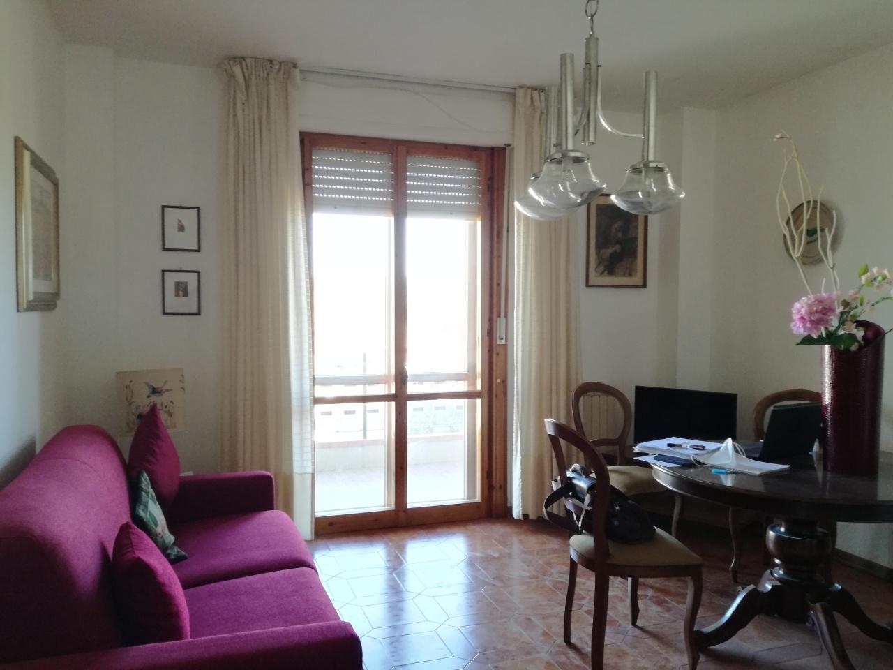 Appartamento in vendita a Follonica, 3 locali, prezzo € 155.000 | PortaleAgenzieImmobiliari.it