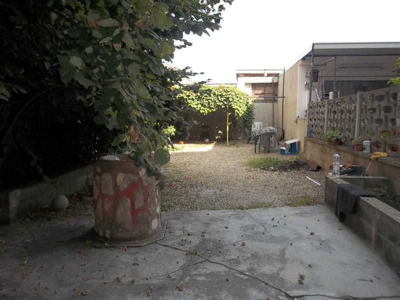 Bilocale Torino Via Gandino 6