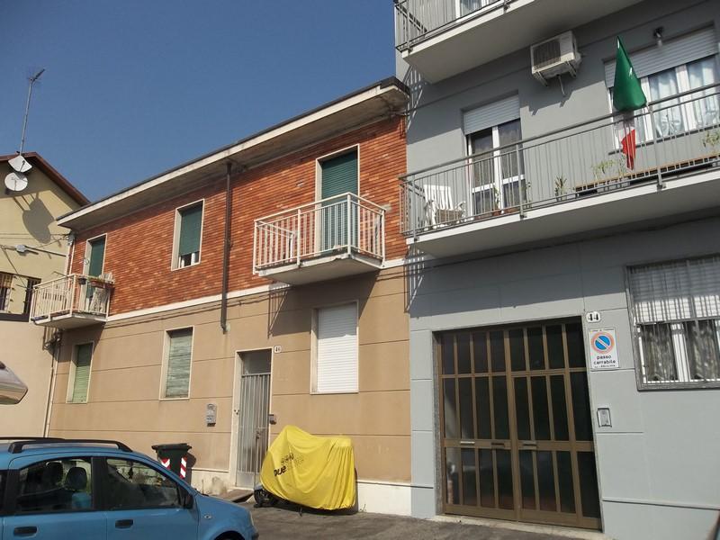 Bilocale Torino Via Gandino 7