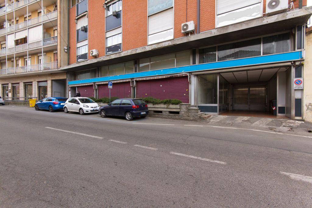 Negozio / Locale in vendita a Ciriè, 2 locali, prezzo € 220.000 | PortaleAgenzieImmobiliari.it