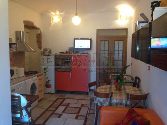 Appartamento in buone condizioni arredato in affitto Rif. 6189398
