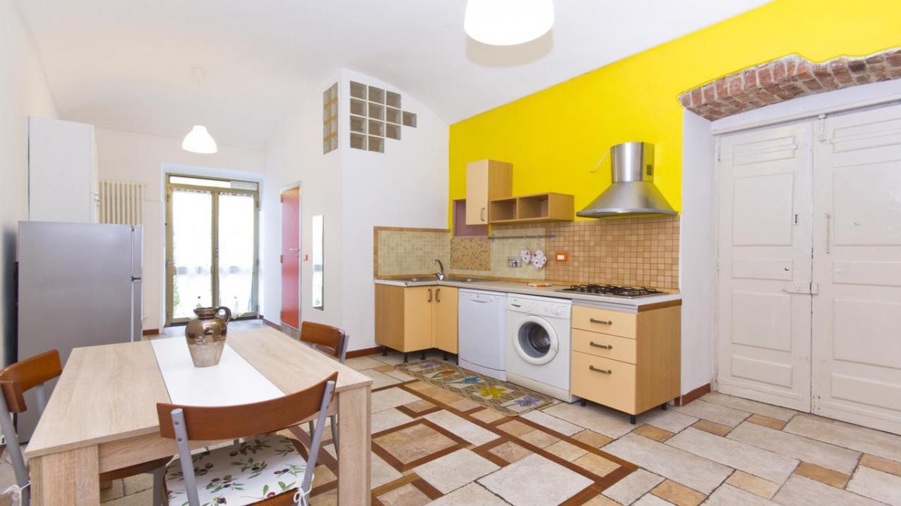 Appartamento in buone condizioni in affitto Rif. 9833810