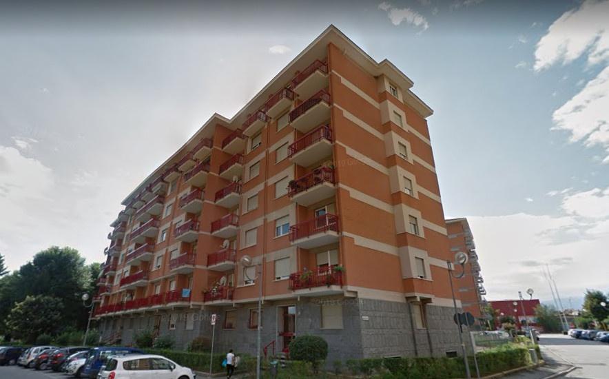 Appartamento in buone condizioni in affitto Rif. 11043980
