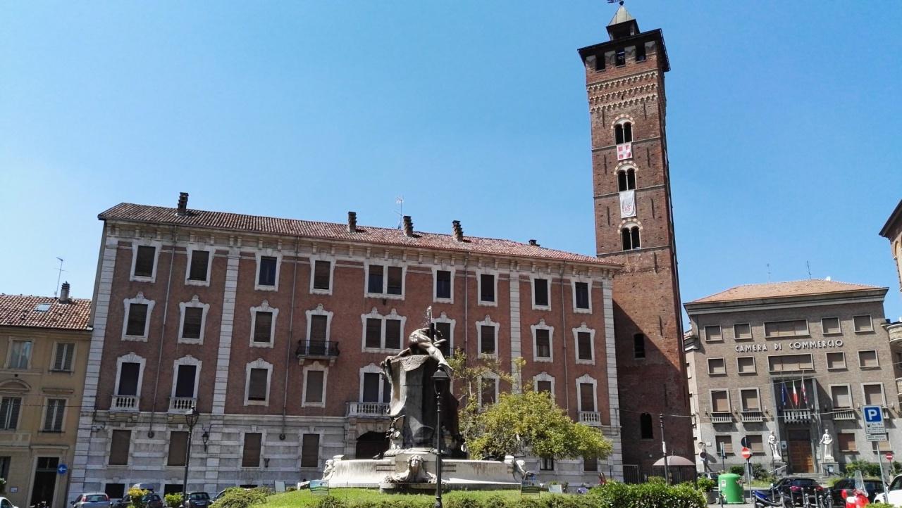 Appartamento in affitto a Asti, 6 locali, prezzo € 600 | PortaleAgenzieImmobiliari.it