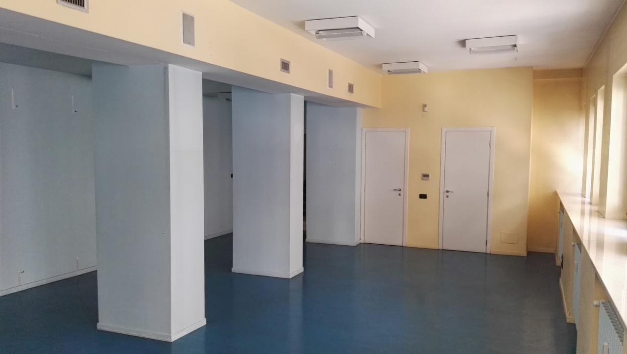 Ufficio / Studio in affitto a Asti, 6 locali, prezzo € 1.500 | PortaleAgenzieImmobiliari.it