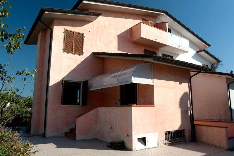 Soluzione Semindipendente in affitto a Massarosa, 5 locali, prezzo € 900 | CambioCasa.it