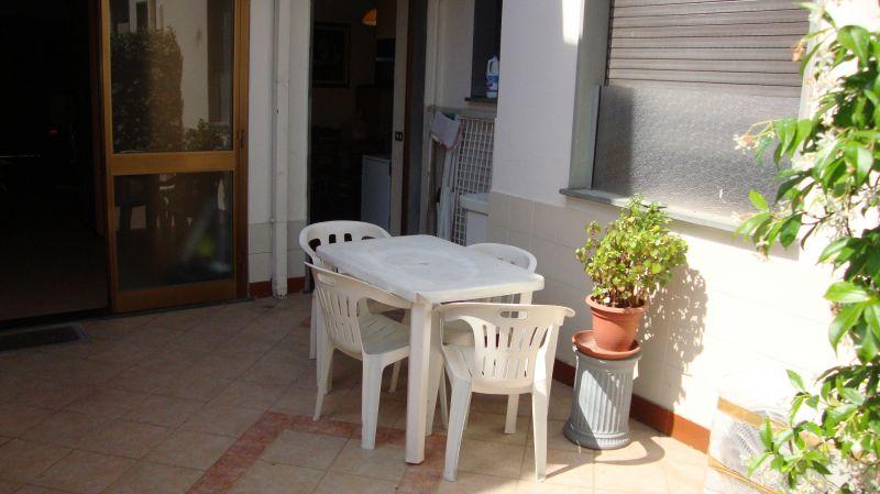 Soluzione Indipendente in affitto a Viareggio, 3 locali, zona Località: CENTRO MARE, prezzo € 1.900 | Cambio Casa.it