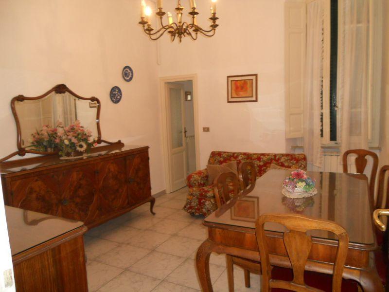 Soluzione Indipendente in affitto a Viareggio, 4 locali, zona Località: CENTRO PINETA, prezzo € 1.500 | Cambio Casa.it