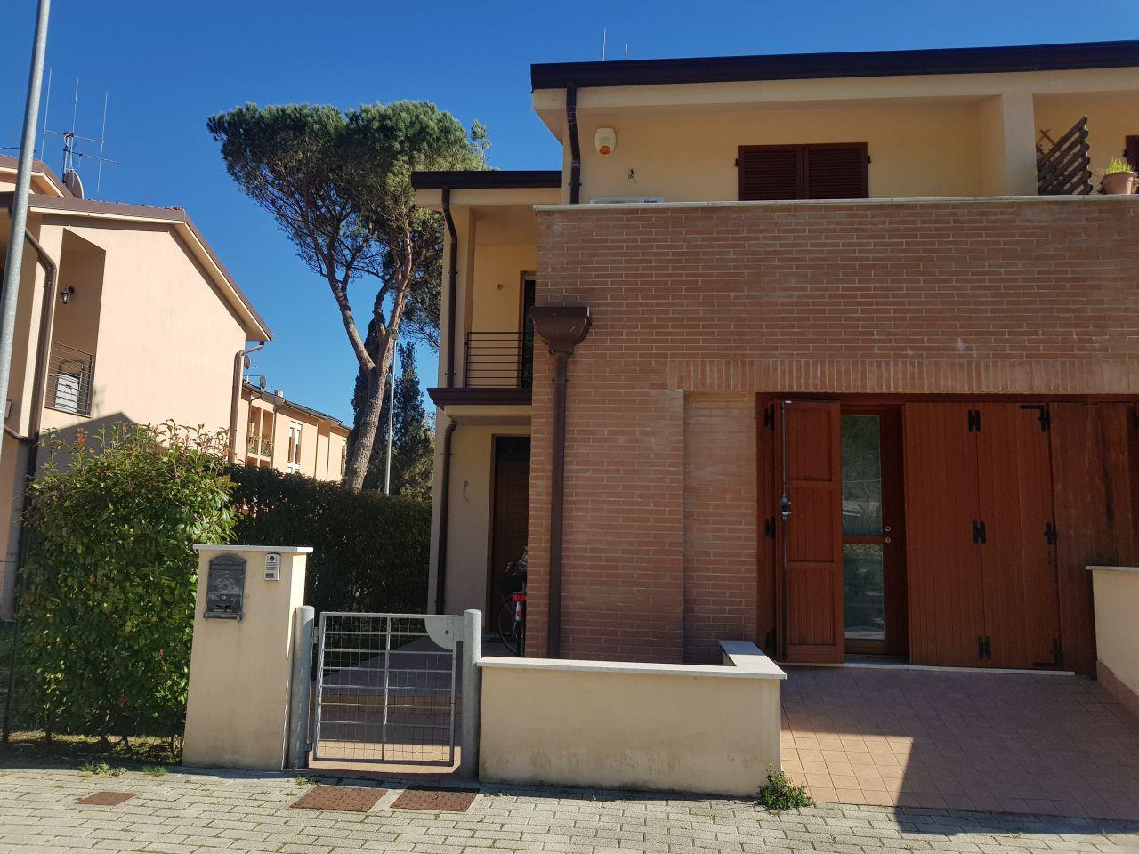 Villa a schiera CAMAIORE 67431
