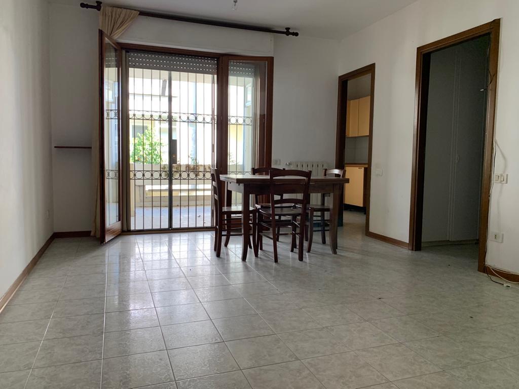 Appartamento in buone condizioni in vendita Rif. 10435482