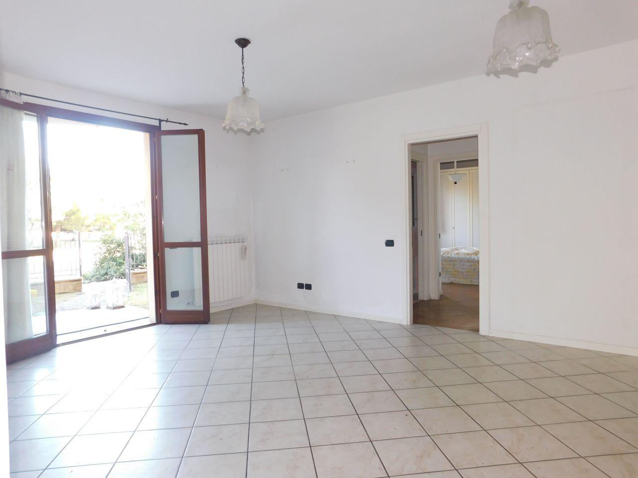 Appartamento in buone condizioni arredato in vendita Rif. 10828347
