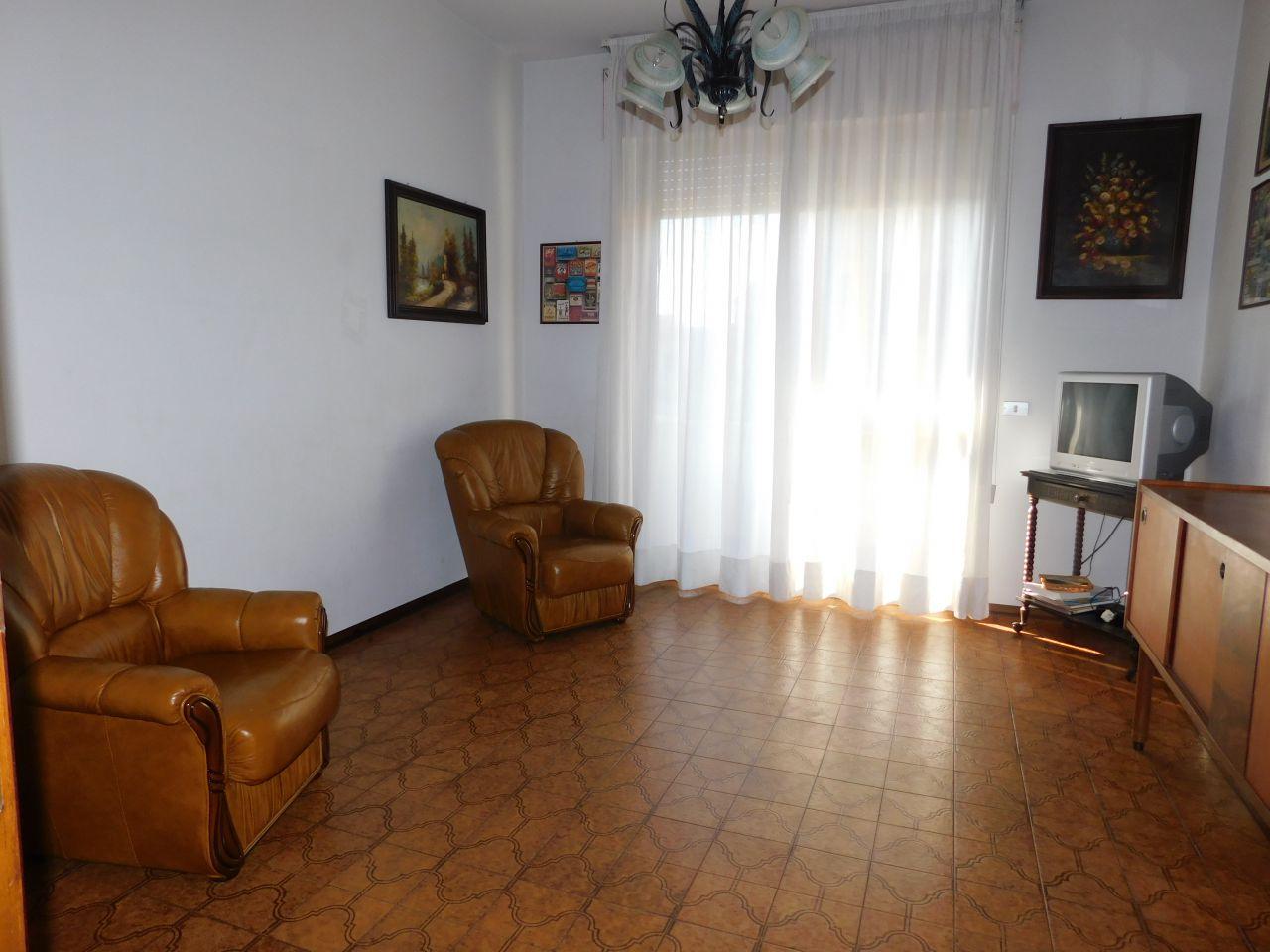 Appartamento in buone condizioni arredato in vendita Rif. 10854927