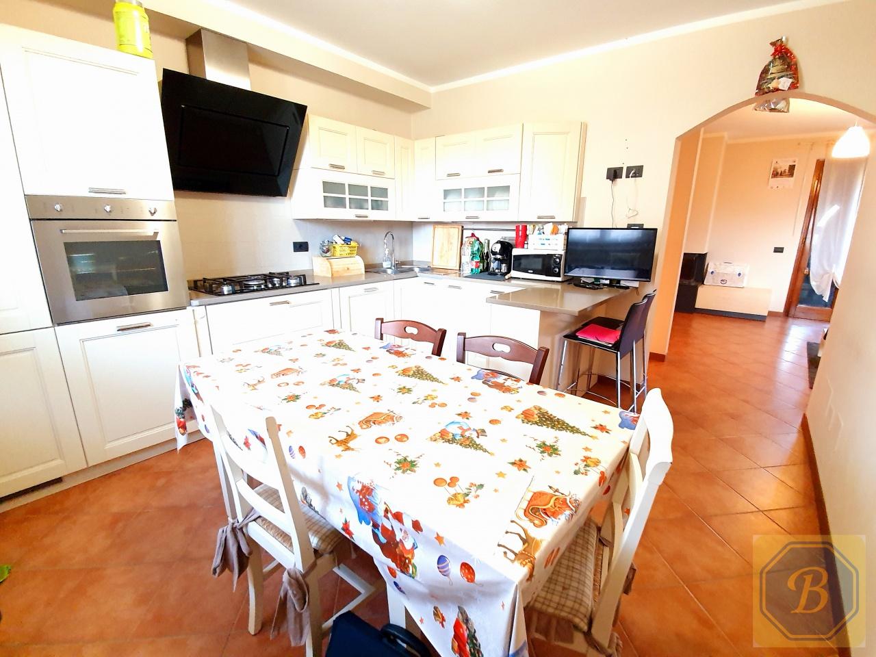 Villa bifamiliare MASSAROSA 70224